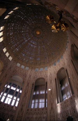 bahai-house-worship-inside-up.jpg