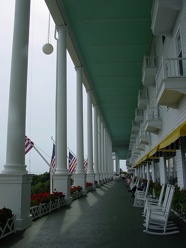 mackinac-porche-grand-hotel.jpg
